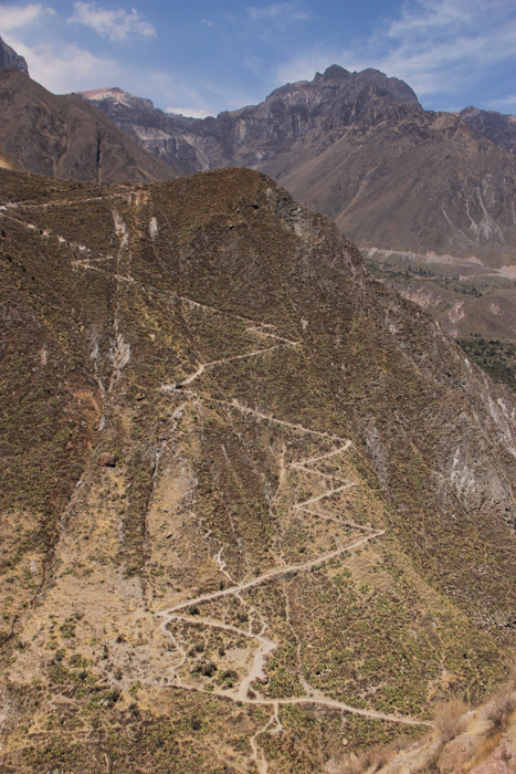 canyon gorge climbing trek
